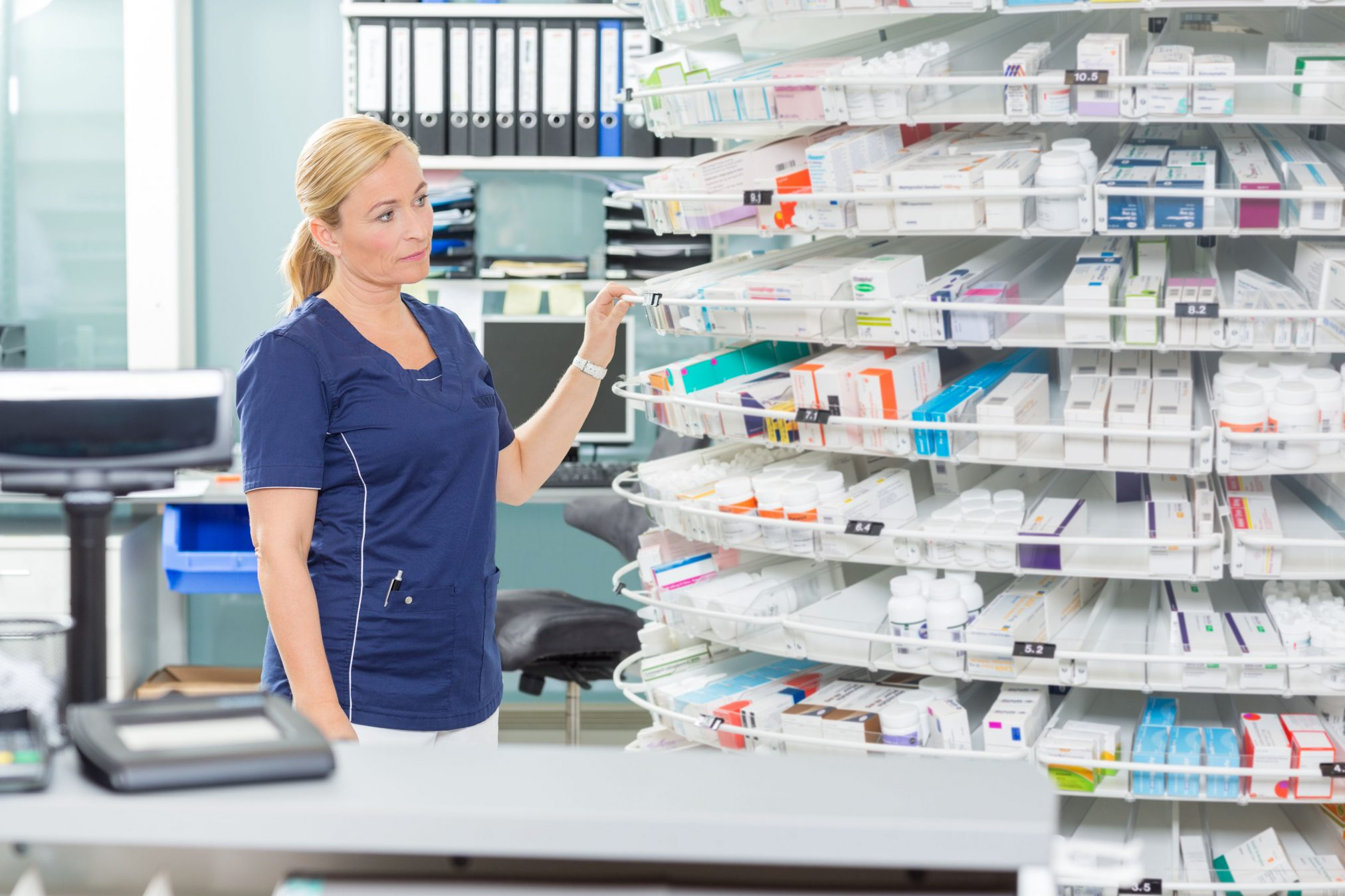10 Reasons To Buy Drugs From An Online Canadian Pharmacy